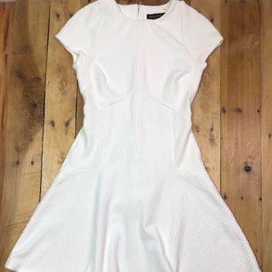 Banana Republic White Dress Size 2 EUC